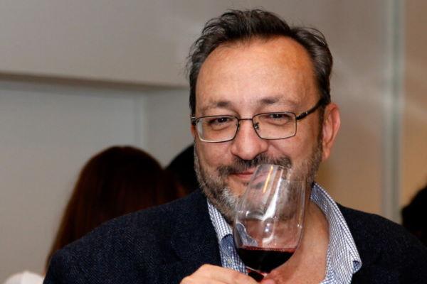 El periodista Juan Fernández-Cuesta, personaje del año 2021 en el sector del vino